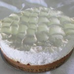 SIZE 28 CM LEMON MERINGUE Tennis biscuit base filled with condensed milk and lemon filling topped with meringue.