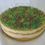 SIZE 28 CM PEPPERMINT CRISP Caramel and fresh cream layered with tennis biscuits.